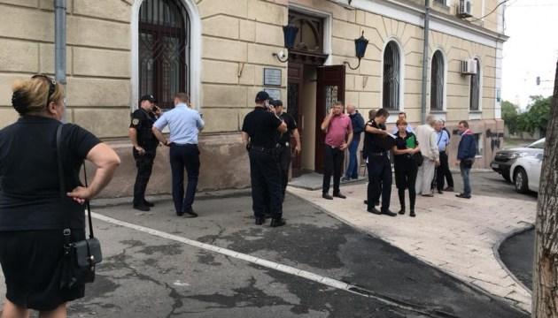 В Одеському медуніверситеті заявляють, що екс-керівник захопив ректорат