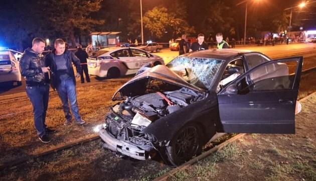 В Одессе авто влетело в остановку: 3 погибших, 4 пострадавших