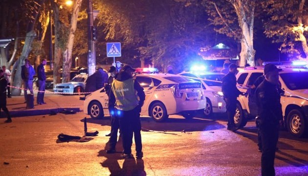 В Одессе авто вылетело на тротуар, есть погибшие