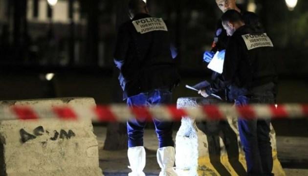 Чоловік з ножем поранив сімох людей в центрі Парижа