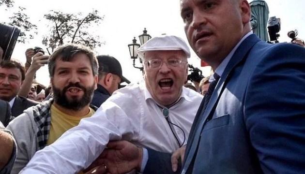В Москве Жириновский избил участника митинга