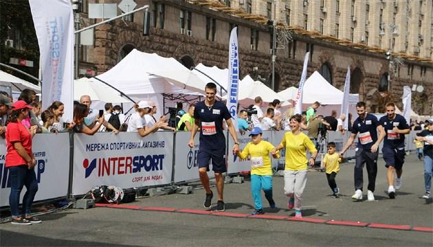 Сборная Украины по баскетболу приняла участие в благотворительном забеге в Киеве