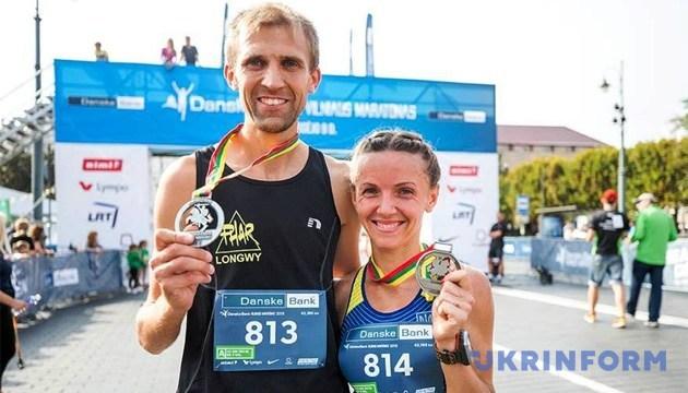 На 15-м Вильнюсском марафоне победили супруги Семенович из Украины