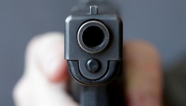 У Миколаєві сусід поскандалив через феєрверк і поранив дитину з пістолета