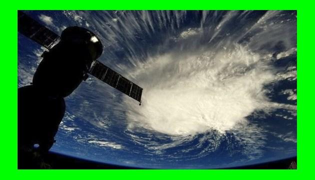 """На США идет ураган """"Флоренс"""", который может стать самым мощным за 30 лет"""