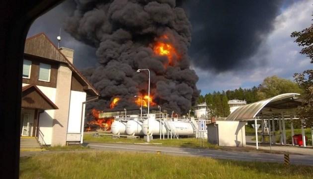 У Чехії горить склад з нафтопродуктами
