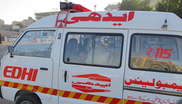 Крушение самолета в Пакистане забрало жизни 12 человек