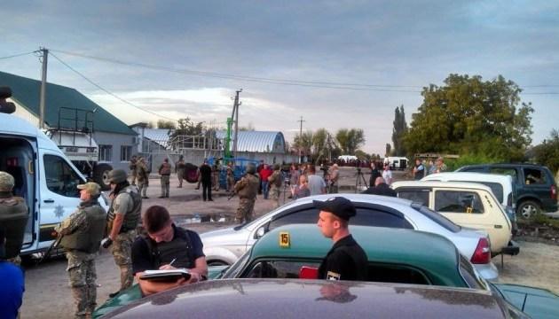 """На """"кровавом"""" элеваторе пострадал подполковник полиции - Луценко"""