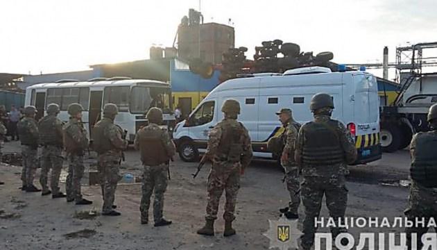 """""""Кровавый"""" элеватор: суд оставил под стражей шестерых участников стрельбы"""