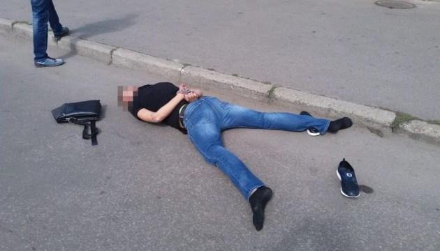 СБУ затримала банду рекетирів: під час спецоперації застрелили ветерана АТО