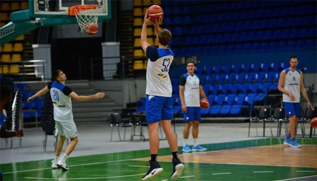 Баскетбол: стал известен состав сборной Украины на киевский матч против Испании