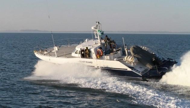 Російський катер в Азовському морі провокував українських прикордонників