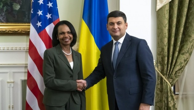 Groysman tells Condoleezza Rice about changes in Ukraine