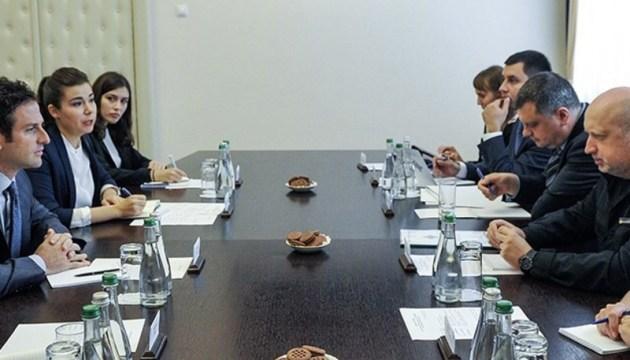 Турчинов заручился поддержкой Jigsaw по противодействию кибератакам на выборах