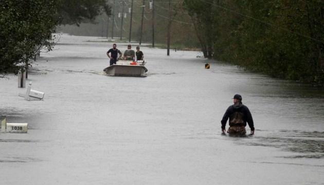 """В США """"Флоренс"""" продолжает забирать жизни, без электричества — до миллиона человек"""
