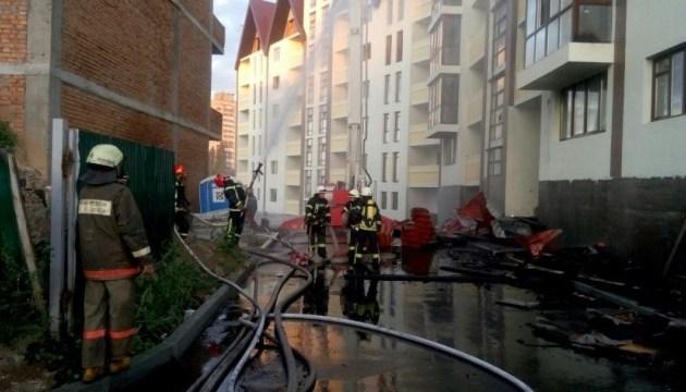 В Киеве горела недостроенная пятиэтажка