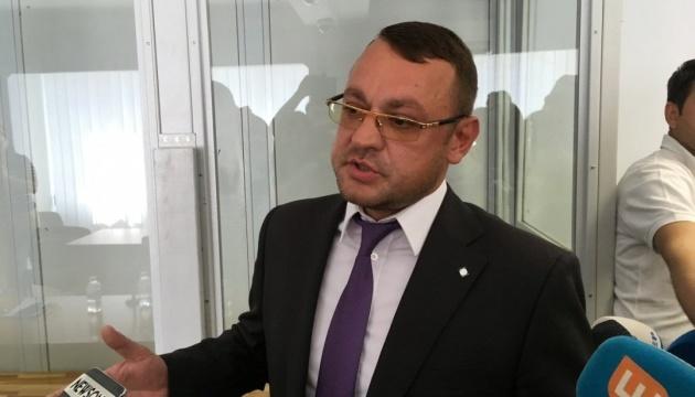 """Судья просит адвоката Януковича остановиться, потому что нельзя """"выступать вечно"""""""