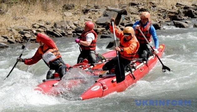 В Карпатах стартовало национальное первенство по водному туризму