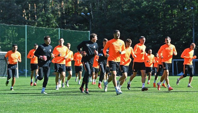 Бразильці Нем і Дентіньйо тренуються окремо до матчу