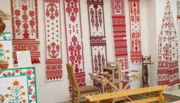 На Сумщині готуються до фестивалю кролевецьких рушників