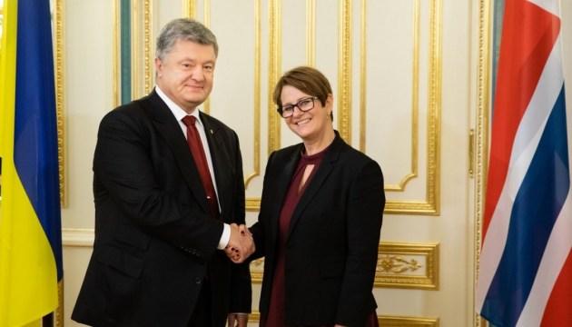 Poroshenko, Norwegian parliament speaker discuss situation in Donbas