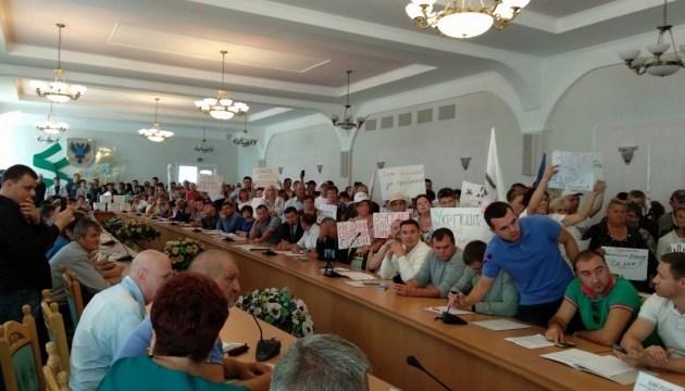 Реформування Укрпошти: у Чернігові діалог з чиновниками переріс у мітинг