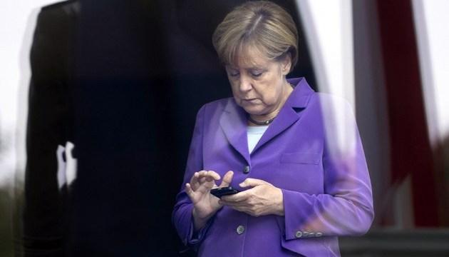 Меркель і Путін обговорили  телефоном Донбас і Сирію
