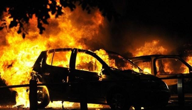 Головному редактору телеканалу спалили автівку