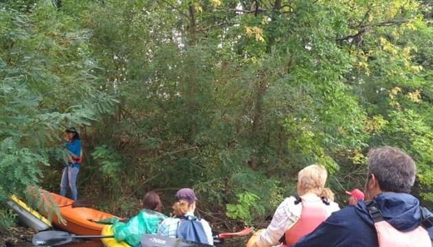 赫尔松州呼唤游客到第聂伯丛林探险