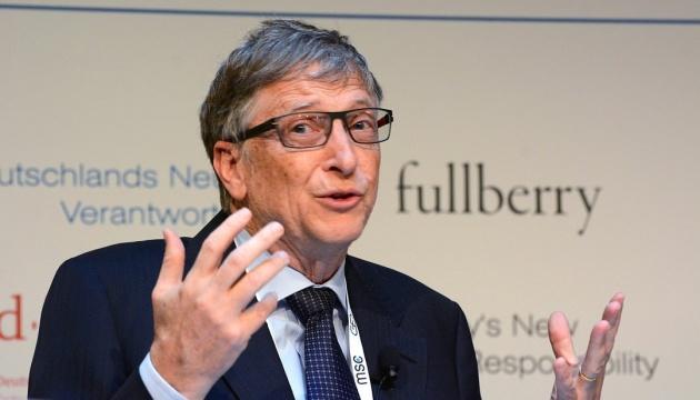 Білл Гейтс застерігає від поспішної вакцинації проти COVID-19