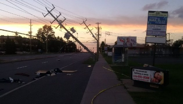 В Оттаве из-за торнадо 70 тысяч горожан остались без света