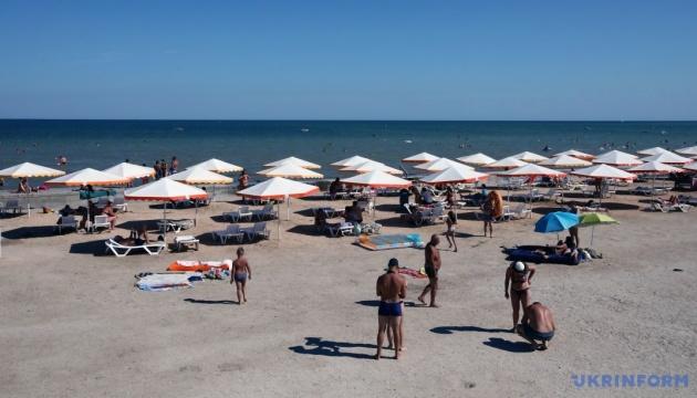 Херсонщина хоче вакцинувати працівників курортів і запровадити швидкі тести для туристів