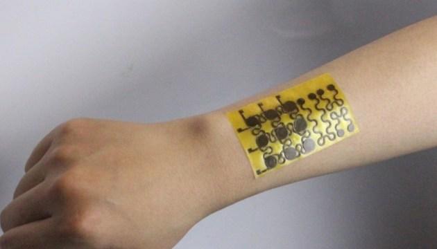 Электронная кожа способна реагировать на дуновение ветра и капли воды