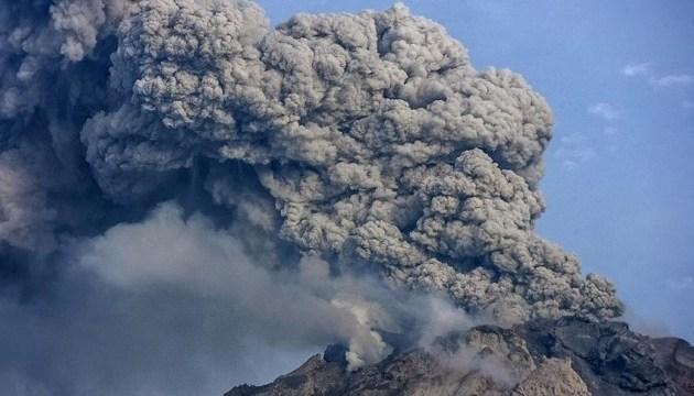 Через вулкан в Індонезії вже евакуювали понад 4,5 тисячі осіб