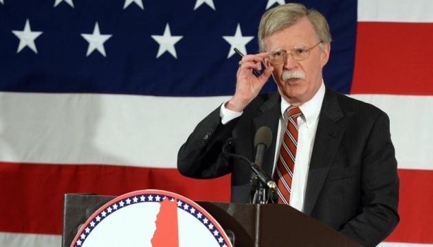 Bolton aconseja a Rusia que se largue de Crimea y Donbás