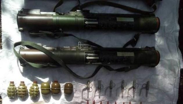 На Луганщине полицейские обнаружили очередной тайник с оружием