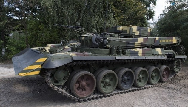 """В Украине испытали новую бронемашину """"Лев"""""""