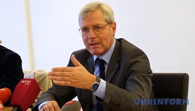 До выборов в Украине не будет серьезных перемен на Донбассе - депутат Бундестага