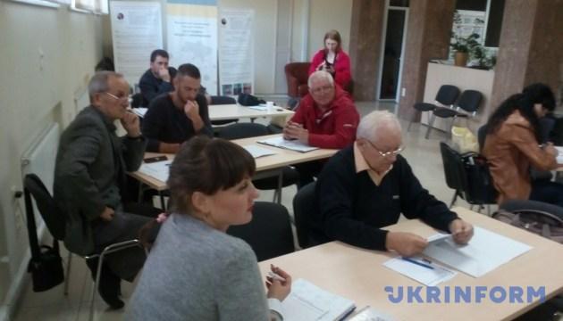 На Николаевщине членов ОТГ учили зарабатывать на сельхозкооперативах