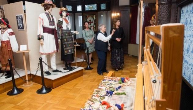 Первая леди посетила Украинский музей и библиотеку в Стэмфорде