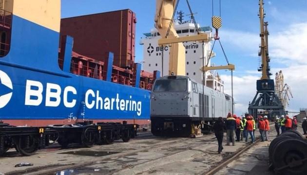 В Украину прибыли семь новых локомотивов General Electric