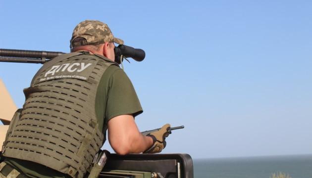 На побережье Азовского моря прошли тактические учения танкистов и пограничников
