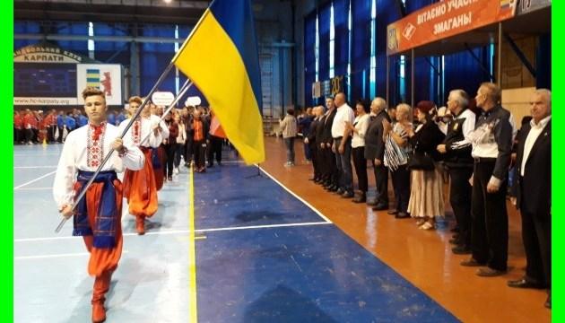 В Ужгороде прошло открытие XХ Всеукраинской спартакиады госслужащих