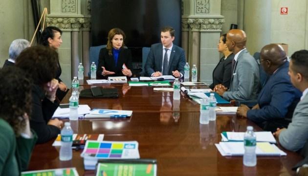 Марина Порошенко обсудила проблему булинга в Департаменте образования Нью-Йорка