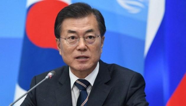 Южнокорейский лидер призвал поддержать идею железнодорожного сообщества
