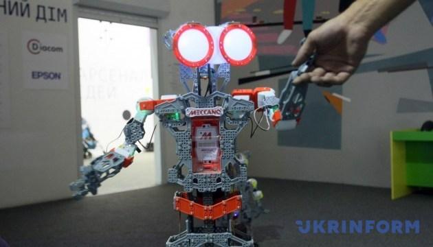 Арсенал ідей: битви роботів, можливості тіла людини, розкопки та космос