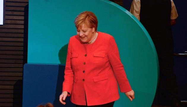 Меркель с нетерпением ждет Евро-2024