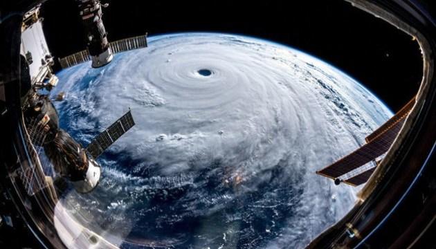 К Японии приближается сильный тайфун, отменены 200 авиарейсов