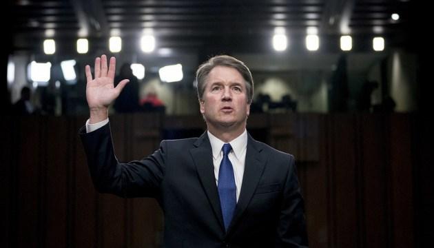 Комитет Сената США поддержал судью Кавано, несмотря на обвинения в домогательствах