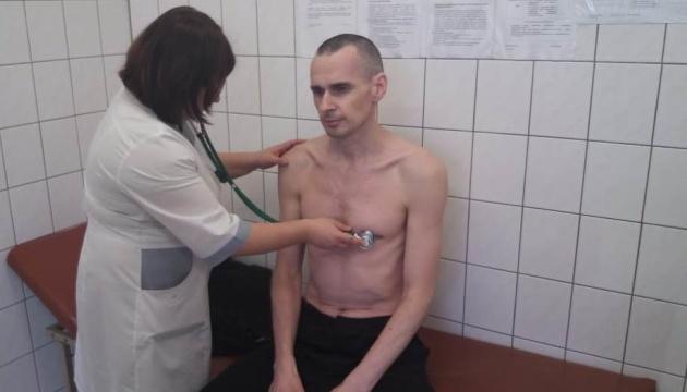 МИД требует допустить в реанимацию к Сенцову украинских врачей